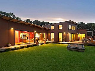 Blissful BlairgowrieHoliday Rental in Blairgowrie, VIC. Prices from $350 p/n sleeps 12. #petfriendly