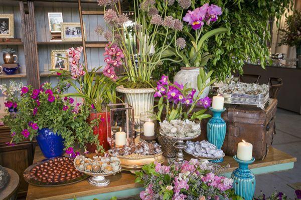 Decoração de casamento no campo  mesa de doces  boho rústico chic