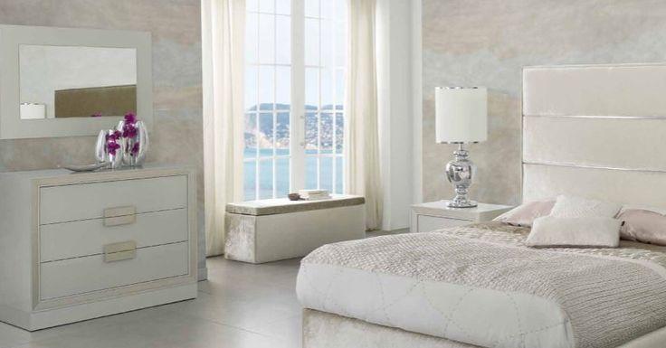 Speil modell CLASSIC, seng og sengebenk kolleksjon CLAUDIA. www.mirame.no #speil #seng #sengegavl #drømmehjem #soverom #gang #bad #innredning #møbler #norskehjem #mirame #pris #nettbutikk #interior #interiør #design #nordiskehjem #kunstpåveggen #butikk #oslo #norge #norsk #påveggen #bilde #speilbilde #classıc #claudia #sengebenk #oppbevaring