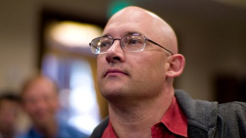 Clay Shirky: Let a thousand flowers bloom to replace newspapers; don't build a paywall around a public good » Nieman Journalism Lab