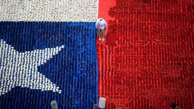23 mil cupcakes forman bandera Chilena en Valparaiso