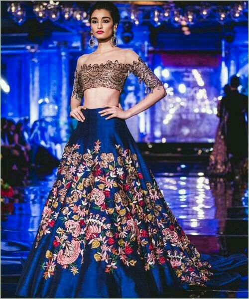 Indian fashion . Outfits❤❤ Pinterest: @reetk516