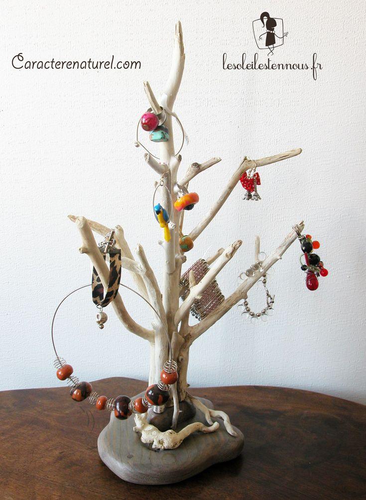 Arbre présentoir à bijoux en bois flotté Benoit Galloudec http://www.caracterenaturel.com
