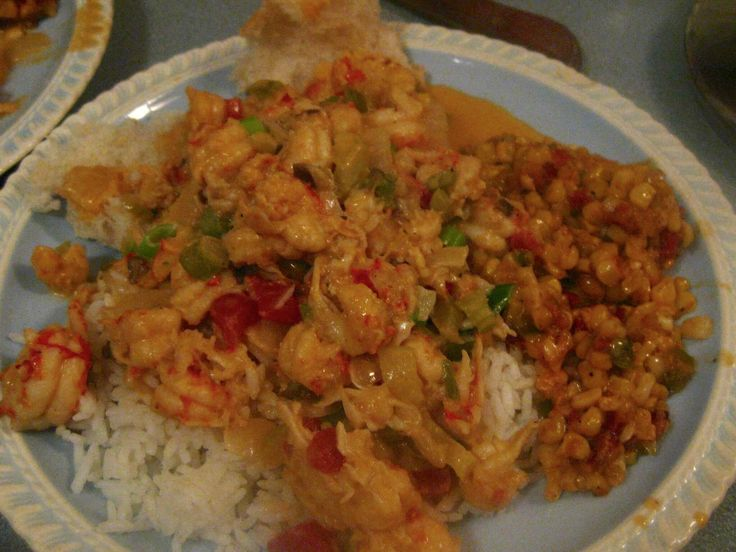 [Homemade] It's crawfish season in South Louisiana! Crawfish etouffee and corn maque choux.