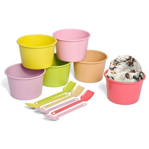 For a  truly retro party…or just to make every day a little more colourful, Retro Kitchen's gorgeous Gelato Dessert Cup Set can't help but make you smile. This set of six old-fashioned stainless steel cups and spoons is ideal for presenting desserts in style. And the best part? Each is a different gelato-inspired colour. #bpafree