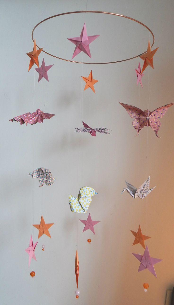 Mobile bébé - 4 animaux et 4 étoiles en origamis