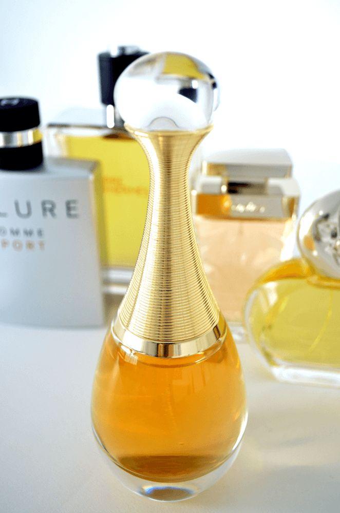 #luxusduft J'adore von #dior – Bei echten Luxus-Parfums sind diese häufig limitiert – auch weil ihre #rohstoffe nicht in beliebiger Menge verfügbar sind. Auch der raffinierte #mix aus verschiedenen Duft-Komponenten mach einen #duft zum Luxus-Parfum. #jadore #parfum #luxus #magmag #madgeburg #allecentermagdeburg #beauty #mode #lifestyle #fashion #design #musthave #trend #douglas #lafemme