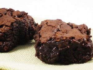 Super fudgy brownies from SkinnyKitchen