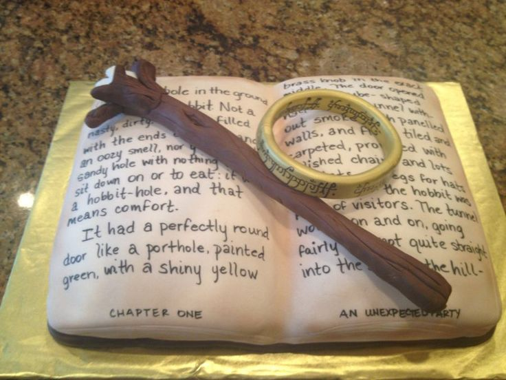 The Hobbit birthday cake, with Gandalf's staff and the ring.