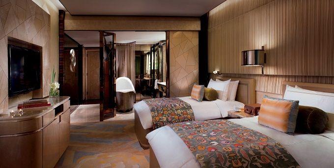 Beste #5-Sterne #Hotels in #Berlin | https://www.brabbu.com/en/casegoods/