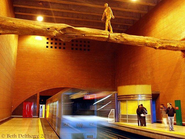 30 things to do in santiago de chile during your holidays! El Puente (The Bridge) Art Installation by Osvaldo Peña at Metro Baquedano