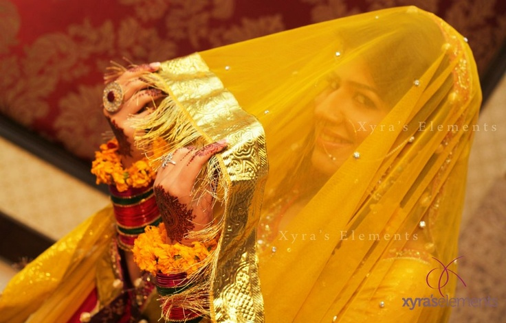 Dulhan Pakistani Bride Session of a South Asian Wedding by XYRA PHOTOGRAPHY https://www.facebook.com/Xyra.Photography?fref=ts