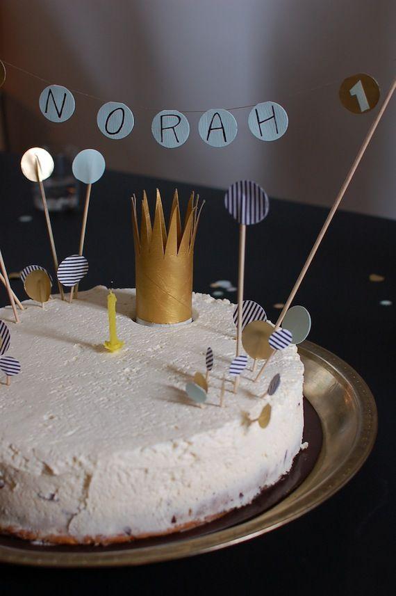 Norah's first birthday cake | hotelchevalier