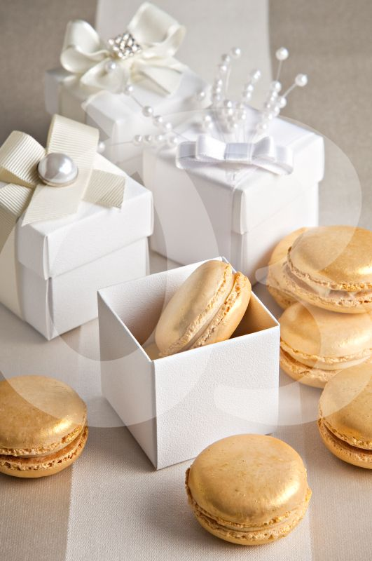 gold macarons for wedding