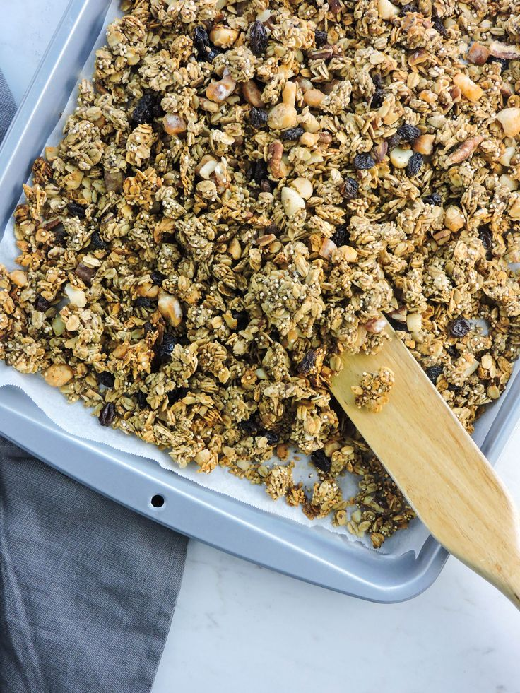 Refined Sugar Free Super Seed Granola is a healthy granola recipe that has sweetness only from nature. Loaded with super food seeds, oats, dried fruit and quinoa, this granola will easily replace your breakfast cereal.