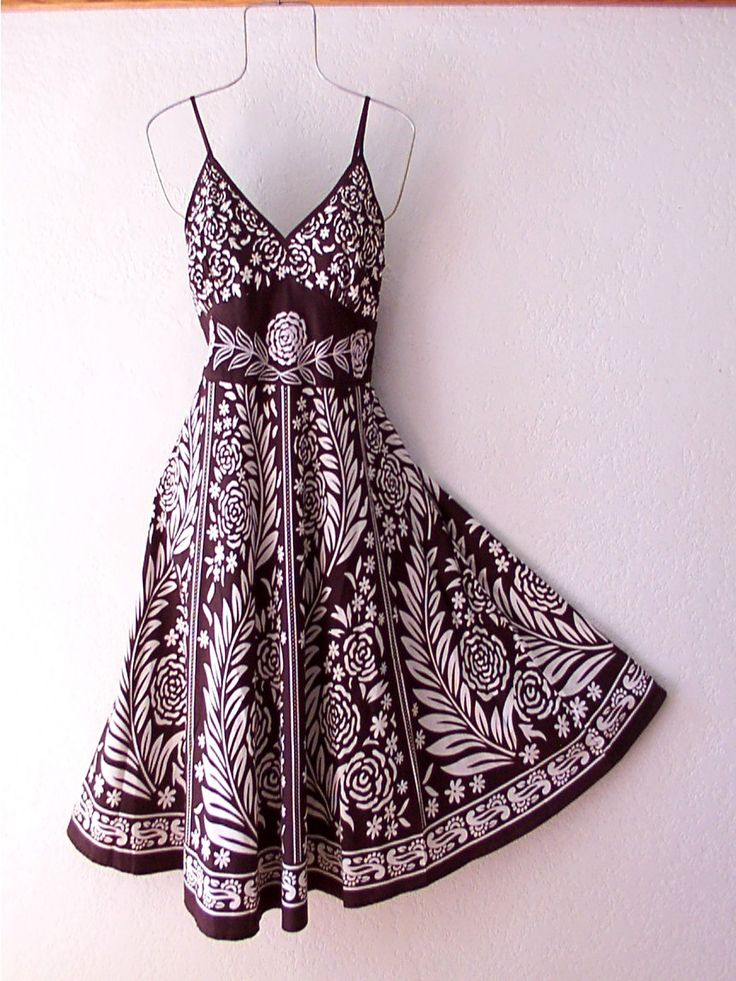Black-and-White BOHO dress (i have the same kind except mine is black and red instead)
