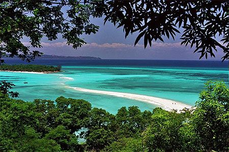 Nosy Iranja, effervescent colors, magical place!Travel to Madagascar with ISLAND CONTINENT TOURS DMC. A member of GONDWANA DMC, your network of boutique Destination Management Companies for travel across the globe - www.gondwana-dmcs.net