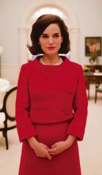 """""""Jackie"""": Im First-Lady-Drama ist nur Portman grandios - Der Film über die Gattin von John F. Kennedy enttäuscht bitter. Zur Filmkritik: http://www.nachrichten.at/freizeit/kino/filmrezensionen/Jackie-Im-First-Lady-Drama-ist-nur-Portman-grandios;art12975,2469356 (Bild: Tobis)"""