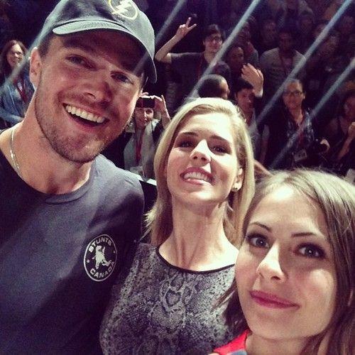 Arrow - Stephen Amell, Emily Bett Rickards & Willa Holland