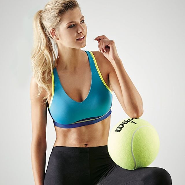 Add a pop of colour to your workout wardrobe this January with the Active collection in a bright new colourway #loveintimo #getfitted #brachat #feelgoodfit