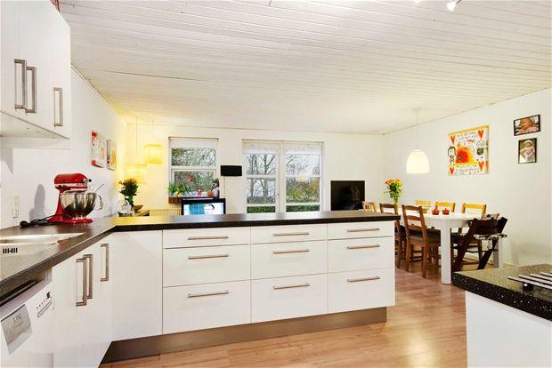 Eftertragtet etplans ende rækkehus med særdeles god indretning.