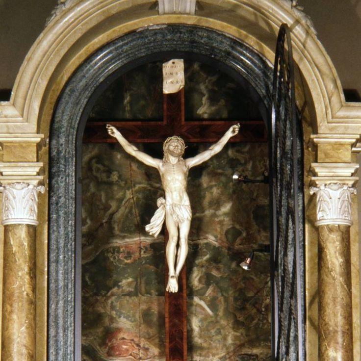 Chiesa dei Santi Nicolao e Stefano a Rocchetta Tanaro (AT) - Info su storia, arte, liturgia e devozione sul sito web del progetto #cittaecattedrali