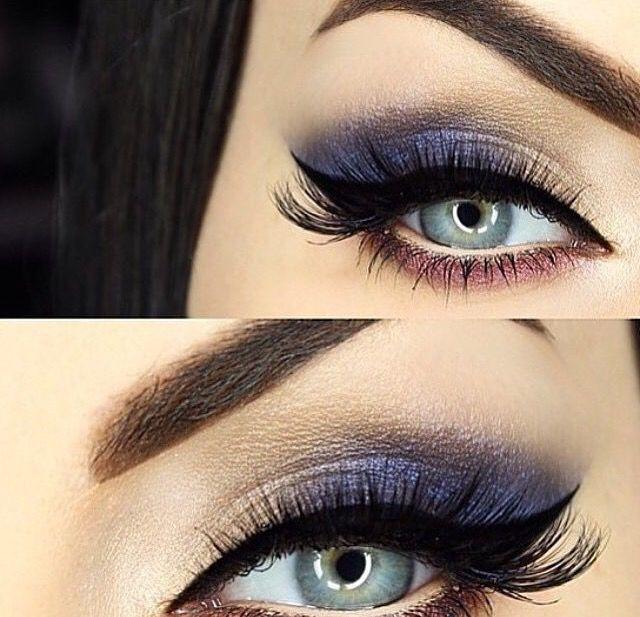 Lindo olho delicado azul acinzentado.