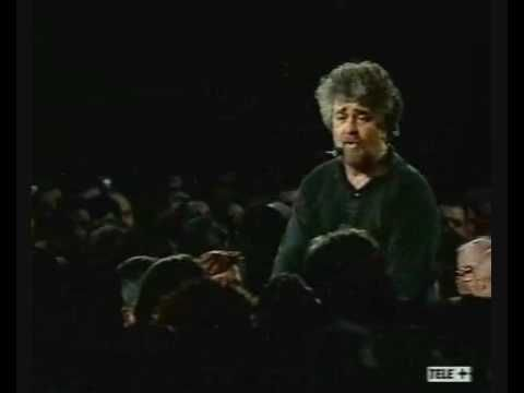 Beppe Grillo - I vaccini - YouTube