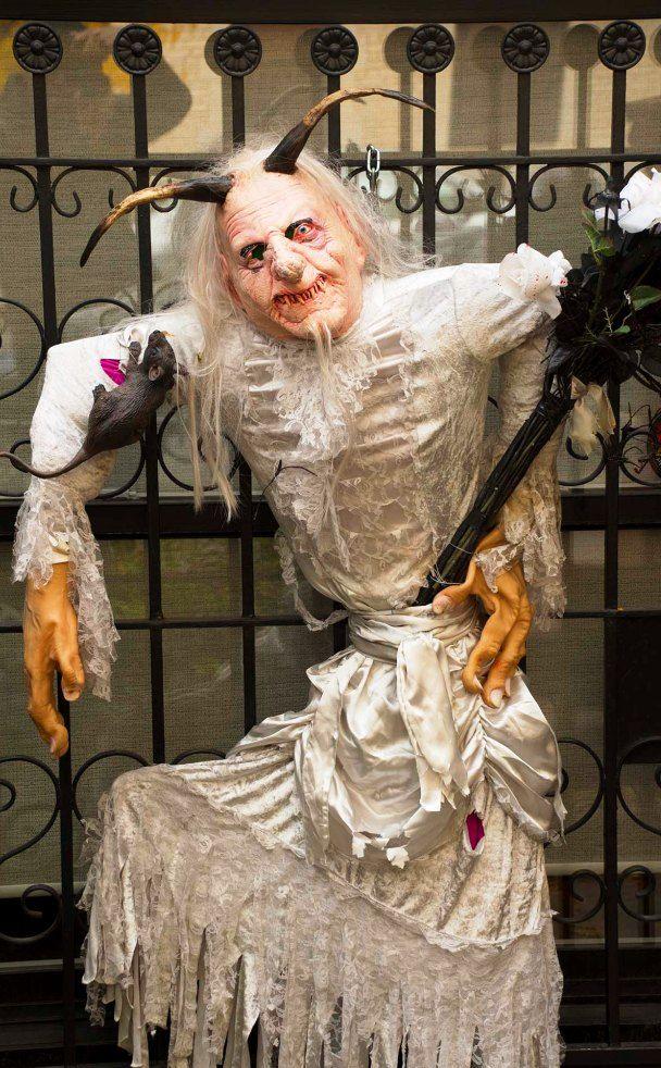 20 creative halloween decorations ideas - Creative Halloween Decorations