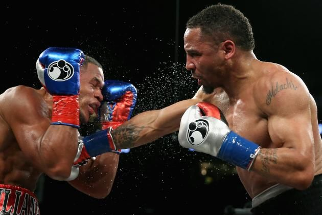 Andre Ward returns with unanimous decision victory against Sullivan Barrera Andre Ward returns with unanimous decision victory against Sullivan Barrera OAKLAND, Calif. — Andre Ward is back. Again. The highly accomplished fighter ended another layoff with entry into a new weight class: light heavyweight. And despite the inactivity and added weight, Ward looked as sharp as ever. Yes, Ward (29-0, 15 KOs) wasted some prime years. But that doesn't matter right now. Ward is back where he belongs…
