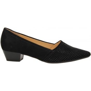 Gabor Azalea is a stylish Court Shoe with a low 30mm Heel, the jewel detail toe livens the shoe up so it can be worn day or night. Easy slip-on design with a super soft cushioned leather insole for maximum comfort, perfect if you're on your feet all day. Complete with a hard-wearing textured Rubber sole for added grip and stability. http://www.marshallshoes.co.uk/womens-c2/gabor-womens-azalea-black-court-shoe-55-134-17-p3861