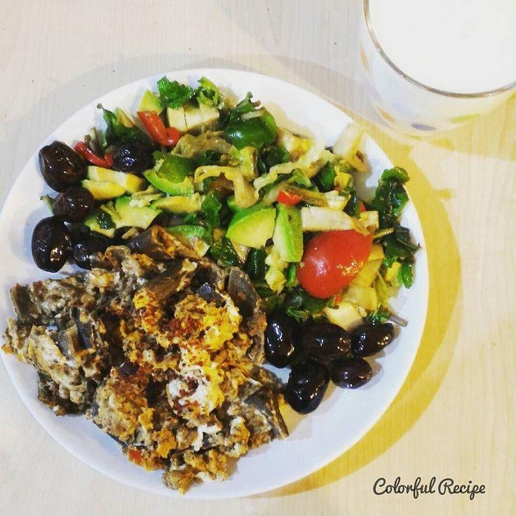 #paleobreakfast #paleo #egg  with #mincedmeat #eggplant or #aubergine  #avocado salad #olives as usual  and #homemade #kefir for #gut health #patlican ve #kiymali  #yumurta yaninda #avokado salatasi #zeytin ve #evyapimi #kefir bagirsaklarimizdaki bakterilerin sagligi icin. #probiotics #keto #tasdevridiyeti #sahur #grainbrain #wheatbelly