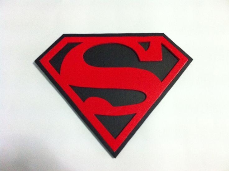 Superman logo legno su ordinazione. di sierra pianeta su DaWanda.com