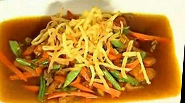Dijamin deh, Semur Daging Cincang ini sudah pasti menjadi menu favorit keluargamu. Bikin yuk, ini bahan-bahannya:   150 g daging sapi cincang 2 buah kentang, dipotong seukuran korek api 5 buah buncis, dipotong kecil-kecil 3 buah wortel, dipotong kecil-kecil tomat, dipotong kecil-kecil 4 butir bawang merah, iris tipis 4 siung bawang putih, iris tips 1 sdm margarin 4 sdmKecap Manis Bango 1/2 sdt kaldu sapi 1/2 sdt garam 1 sdt gula pasir 1/2 sdt lada putih bubuk 1/2 sdt pala, diparut 500 ml air