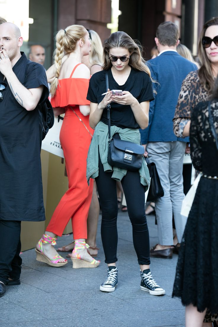 【海外スナップ】ヒップスターのカジュアルコーデが光る 2017年春夏ベルリン・ファッション・ウイーク ストリートスナップ 44 / 84