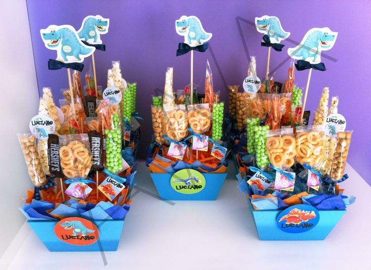 Centros de mesa para fiesta de dinosaurios fiestas y for Mesas fiestas infantiles