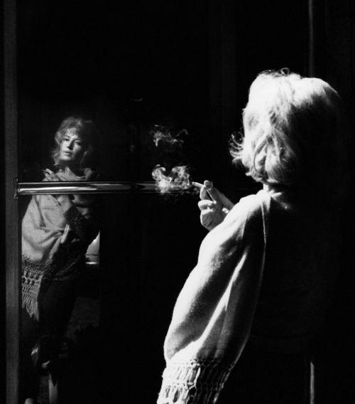 Monica Vitti in L' Eclisse (Michelangelo Antonioni, 1962)  via cinemagreats