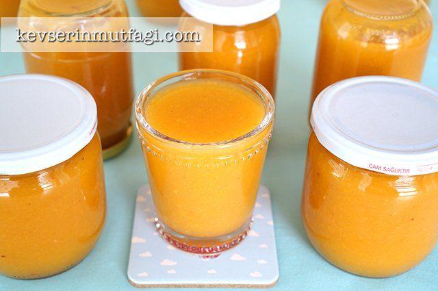 Şeftali Suyu Konservesi Tarifi - Malzemeler : 4 kg olgun şeftali, 1,5 su bardağı şeker.