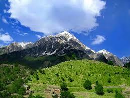 Alrededor del segundo siglo a.C., la zona fue ocupada por los budistas, que fueron atraídos por la paz y serenidad de aquel lugar. Durante la mitad del siglo 19, las tribus musulmanas estaban peleando unos contra otros por la posesión del valle de Swat; la intervención de Akhund Sahib (El creador de la actual familia de Swat, era pashtún; de donde pasó a Buner territorio. Él era un hombre piadoso y la gente lo respetaba tan profundamente que le llamaban Akhund Sahib), el homicidio fue…