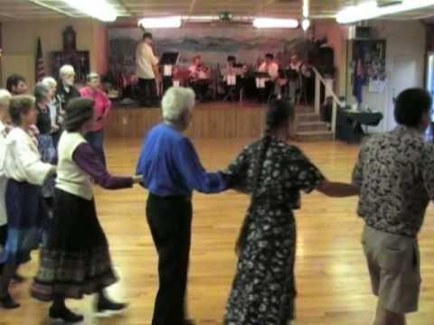 Dancing Setnja to live music by the Village Folk Orkestra