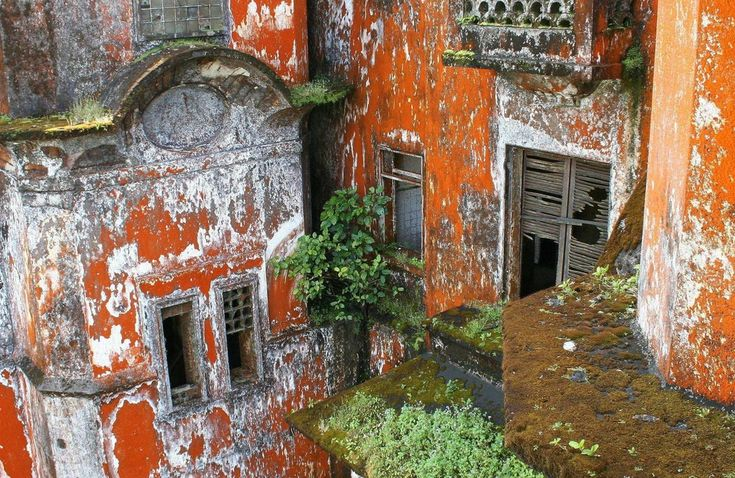 Bokor Hill Station, the #French #ghost #town in Preah Monivong National #Park | #Cambodia