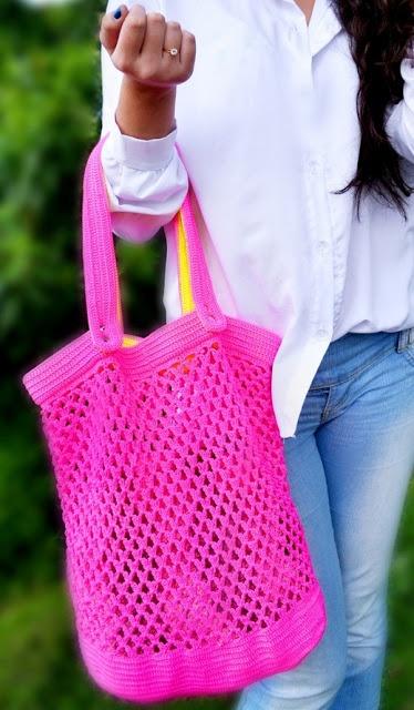 Receitas de Trico e Croche: Neon Bag, Crochet Crochet, Atualizaçõ Por, Crochet Bags, Bag Of, Bolsa Neon, Crochê Tricot, Bolsa Bug-Out, Crochet Crochê