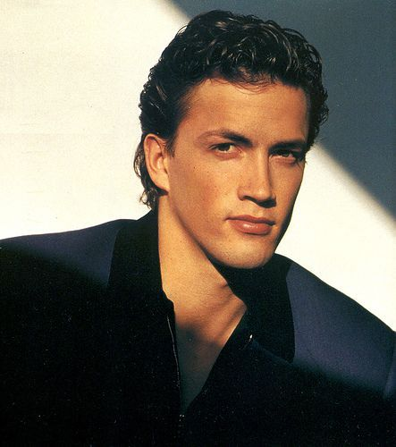 """Andrew Shue. Former Pro-soccer player, Melrose Place's """"Billy"""" Yummm."""