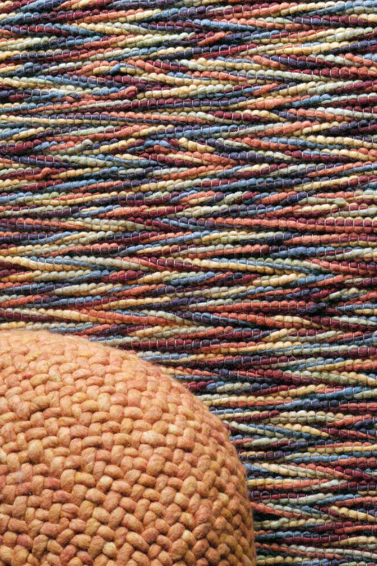 Inca 909 & Lounge pouf 022 (maat S) #wol #wool #vloerkleed #carpet #rug#www.perlettacarpets.nl