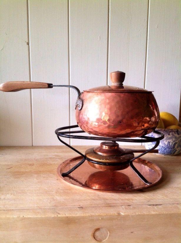 Stöckli Netstal Swiss Hammered Copper Fondue Set & Forks - Vintage Switzerland 1960s by Onmykitchentable Vintage on Gourmly