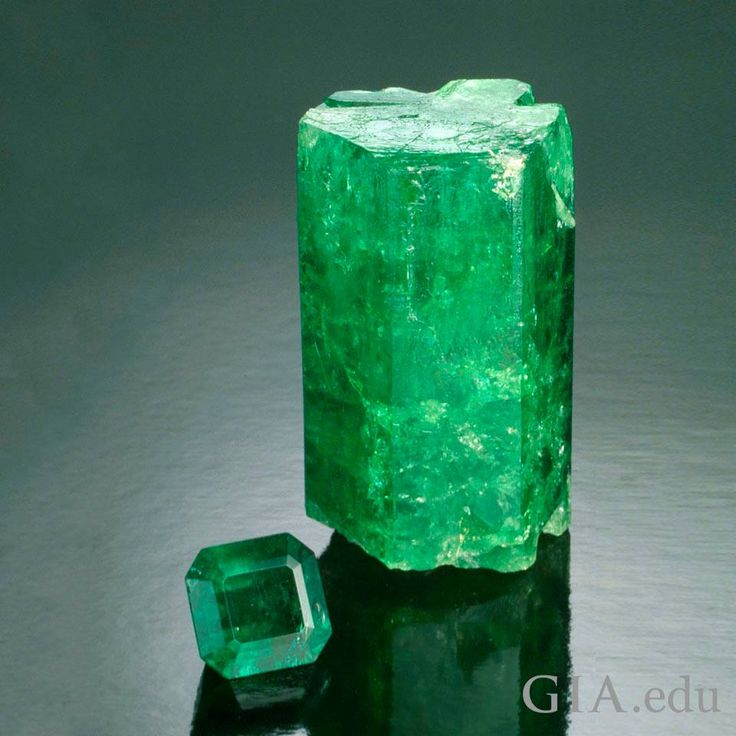 gem crystal stone stones tumbled emerald vaults med