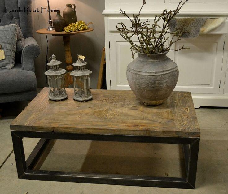 Maatwerk stoere salontafel met stalen frame en grenen blad   Interieur   Pinterest   Frames and Met