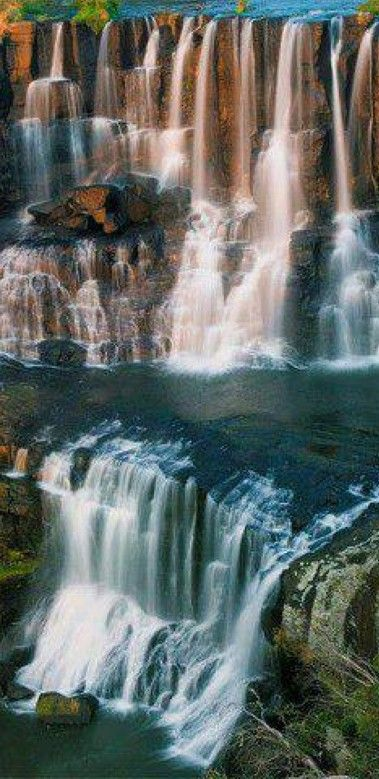 Upper Ebor Falls on the Guy Fawkes River in New South Wales, Australia • photo: Amos T Fairchild on Wikimedia Commons