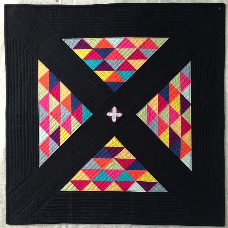 Capitola Crossing by Karen Foster, Capitola Quilter.  Photo by The Plaid Portico.