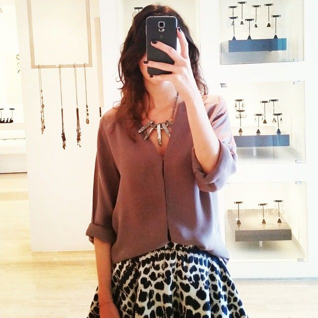 #OutfitOfTheDay: @etyandelle #Bib #Necklace with #printed shorts and @joieclothing top